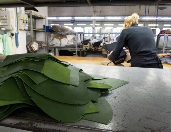 300-Moroso-Factory-Worker-2.jpg