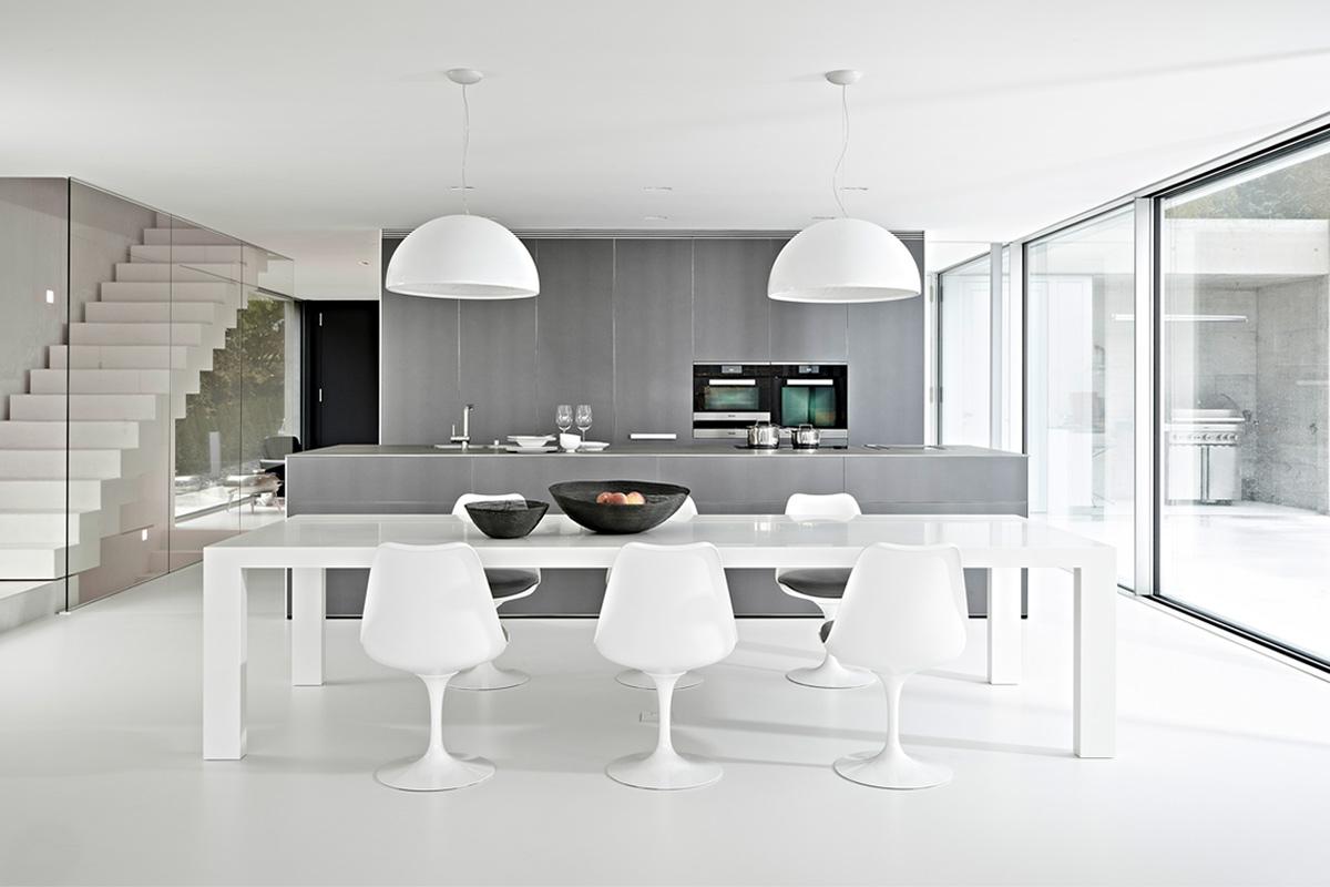 The Knoll Tulip Chairs from esteemed designer Eero Saarinen