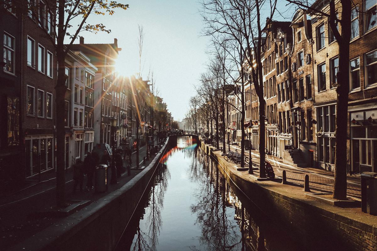Canal in Amsterdam by Max Hawley.jpg
