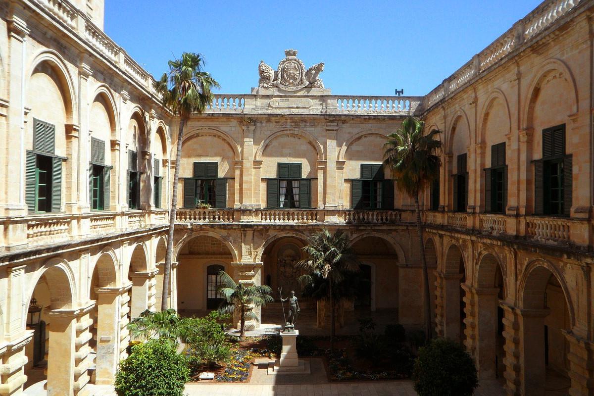 Grand Masters Palace, Malta.jpg