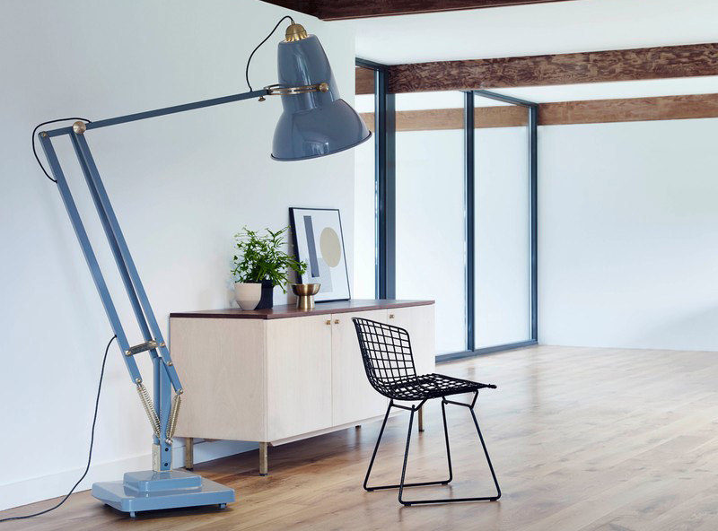giant anglepoise your own friendly and stylish giant. Black Bedroom Furniture Sets. Home Design Ideas