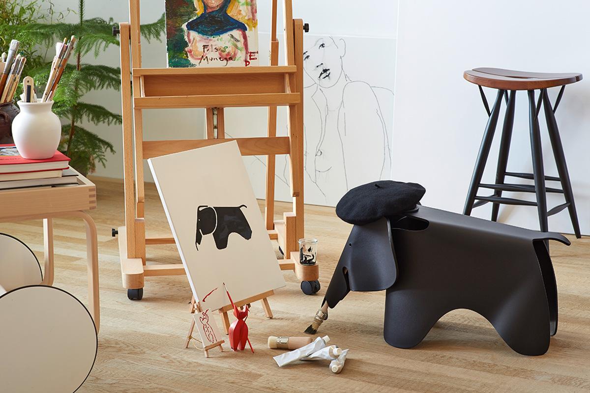 Vitra Eames Elephant in black