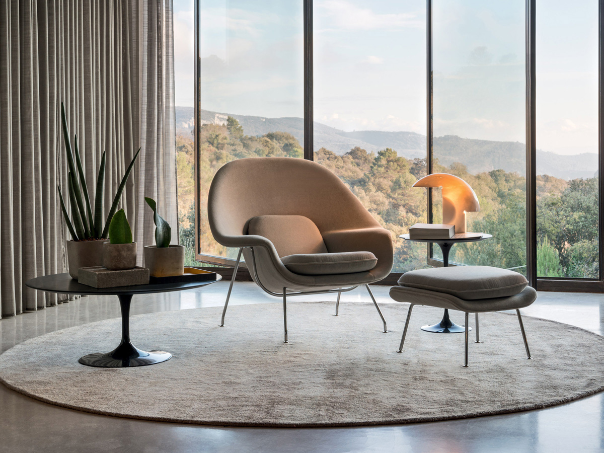 Knoll Womb Chair & Ottoman in a modern interior