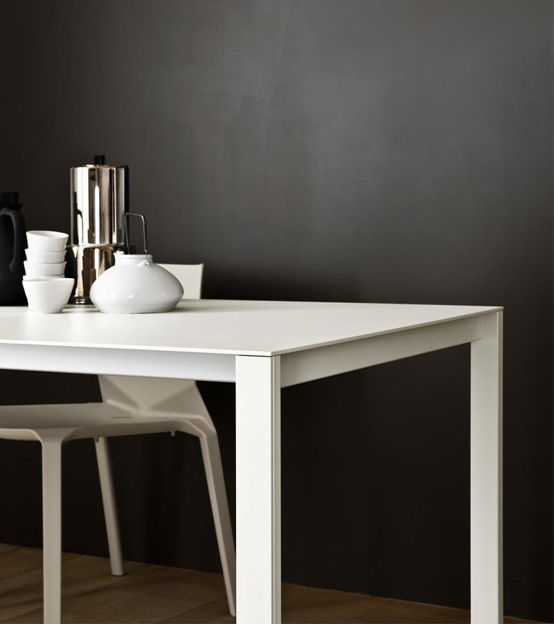 Kristalia Think K-Table Aluminium.jpg