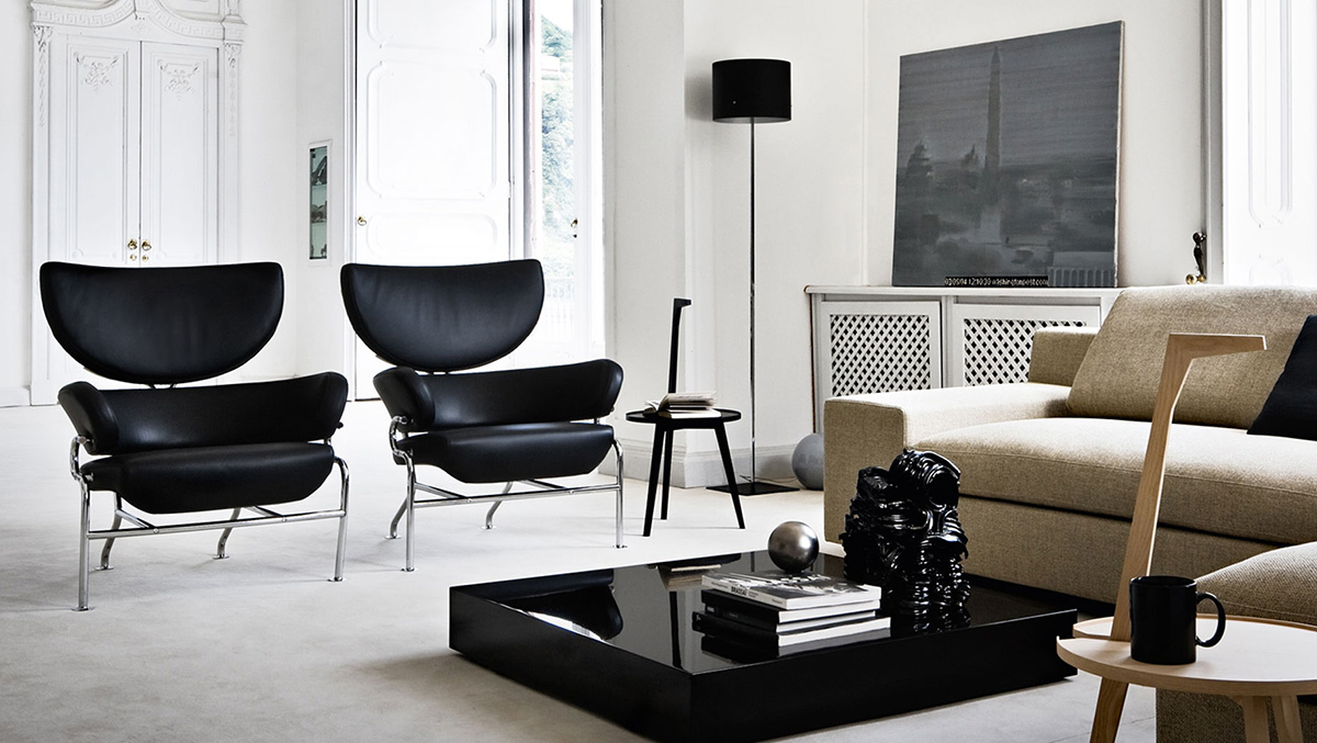 Cassina 836 Tre Pezzi Lounge Chair in black leather