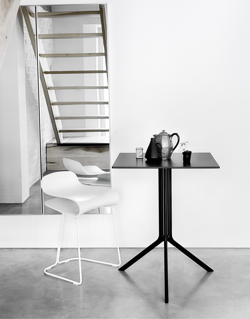 Minimalism-Kristalia-Poule-Table-Square.jpg