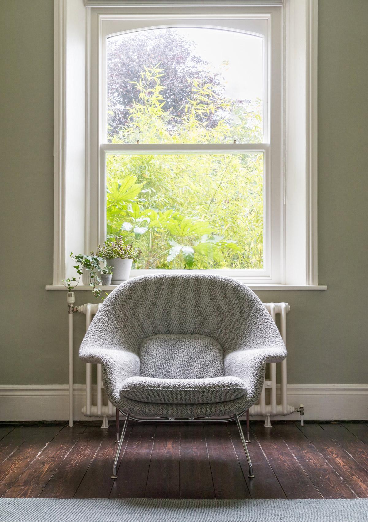 Nestcouk-Top-Design-Picks-Knoll-Womb-Chair.jpg