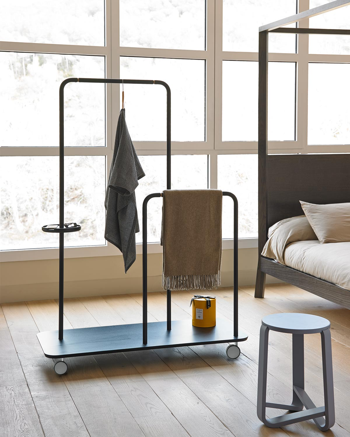 Punt Platel Clothes Stand.jpg