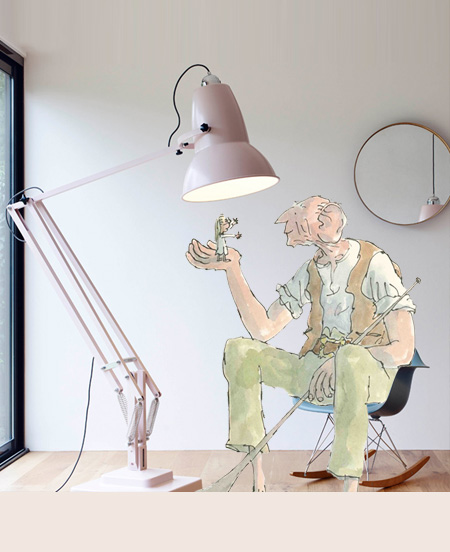 Giant Anglepoise: Your own Friendly and Stylish Giant