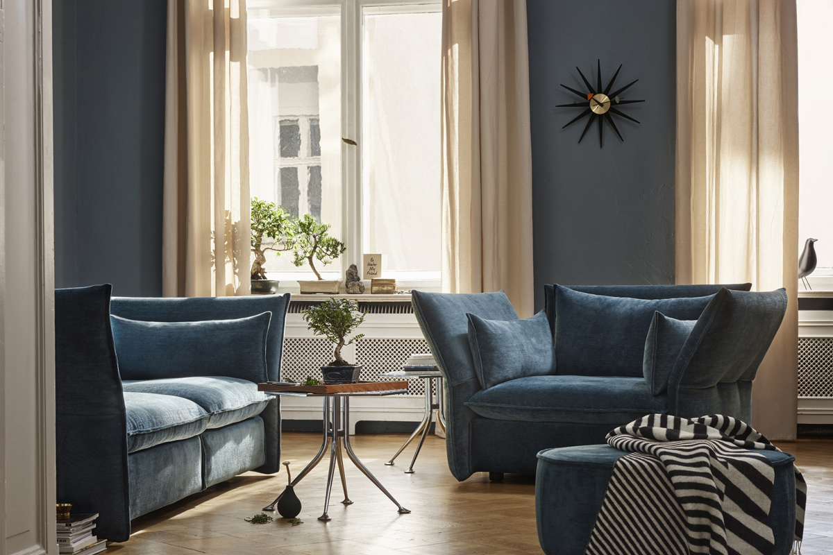 George Nelson Sunburst Clock in a contemporary living room