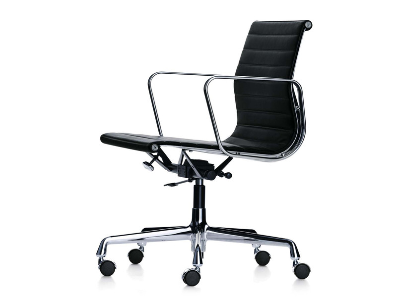 Buy the vitra eames ea 117 aluminium chair at for Chaise bureau