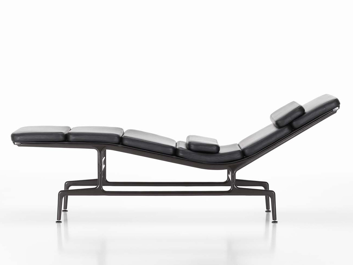 Buy the vitra eames es 106 soft pad chaise at for Chaise eames rar vitra