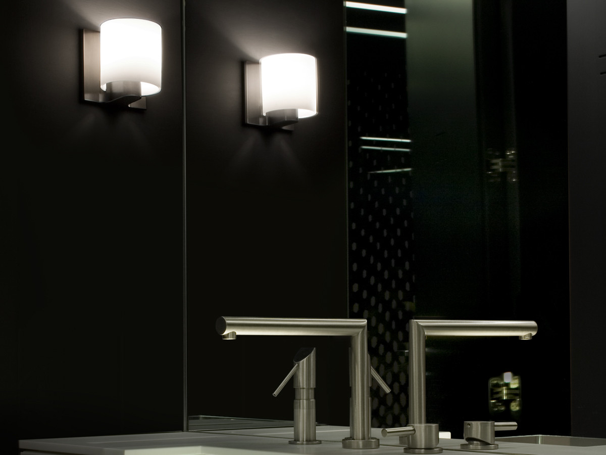Buy the flos tilee wall light at for Flos bathroom light