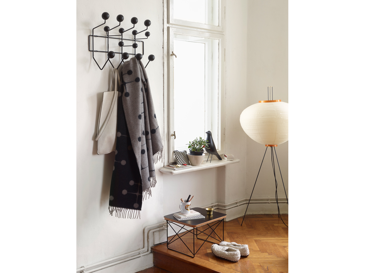 buy the vitra eames hang it all black at. Black Bedroom Furniture Sets. Home Design Ideas
