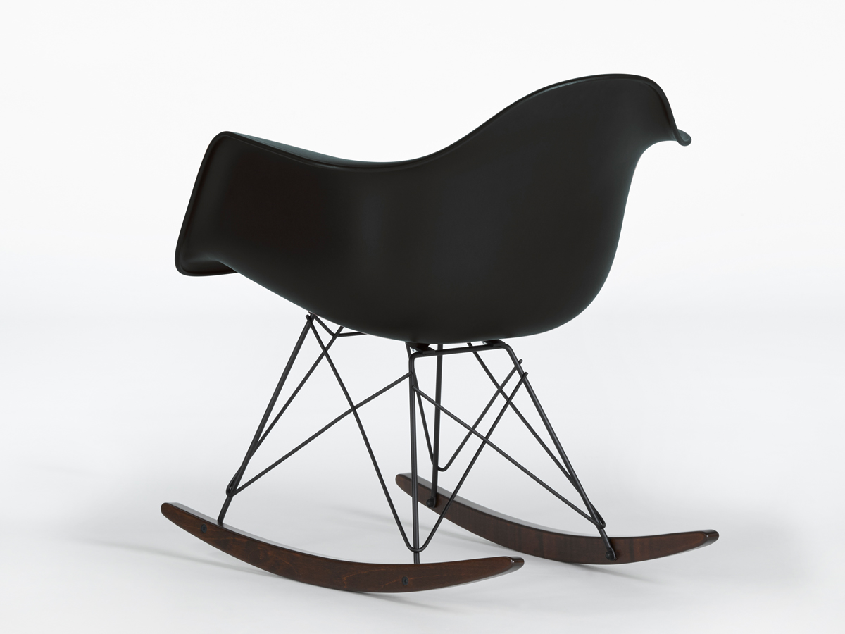 version of the popular rar rocking chair from charles and ray eames. Black Bedroom Furniture Sets. Home Design Ideas