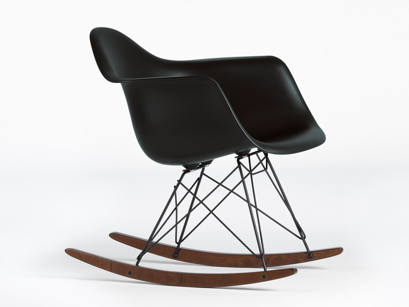 Buy the vitra rar eames plastic armchair black at for Rocking chair eames vitra