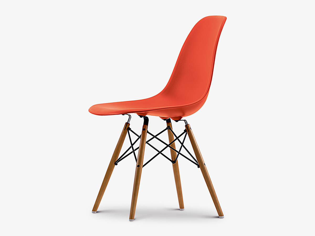 buy the vitra dsw eames plastic side chair golden maple base at. Black Bedroom Furniture Sets. Home Design Ideas