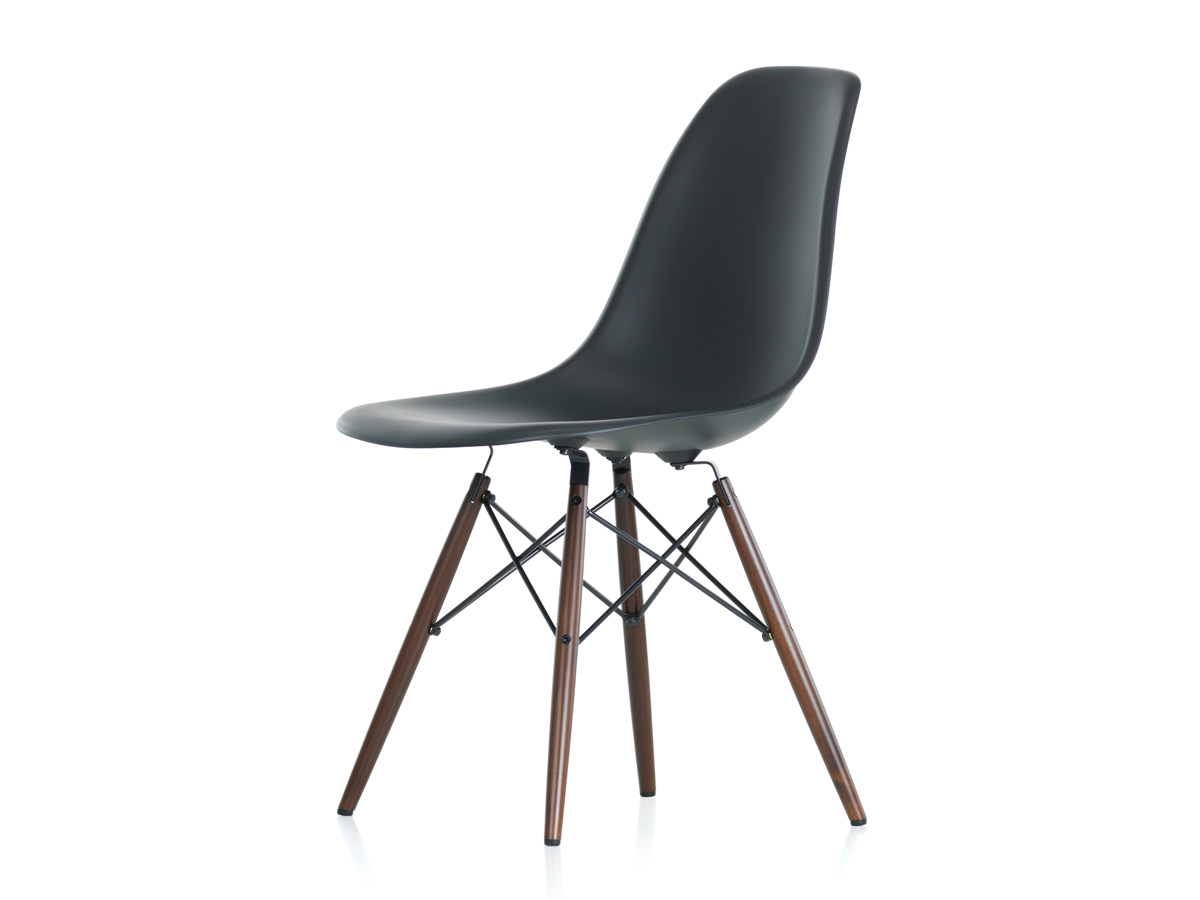 Buy the vitra dsw eames plastic side chair dark maple base - Chaise eames belgique ...