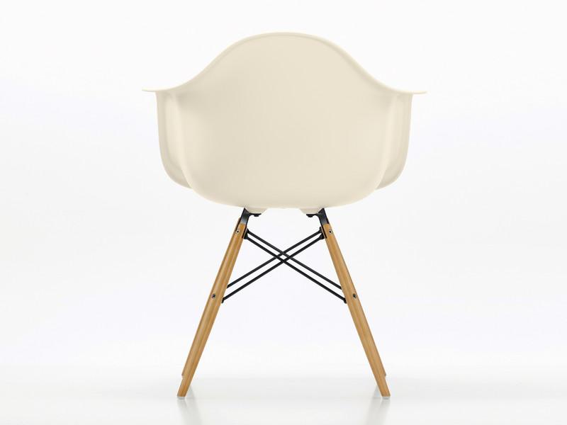 eames daw armchair white. vitra daw eames plastic armchair golden maple base daw white e