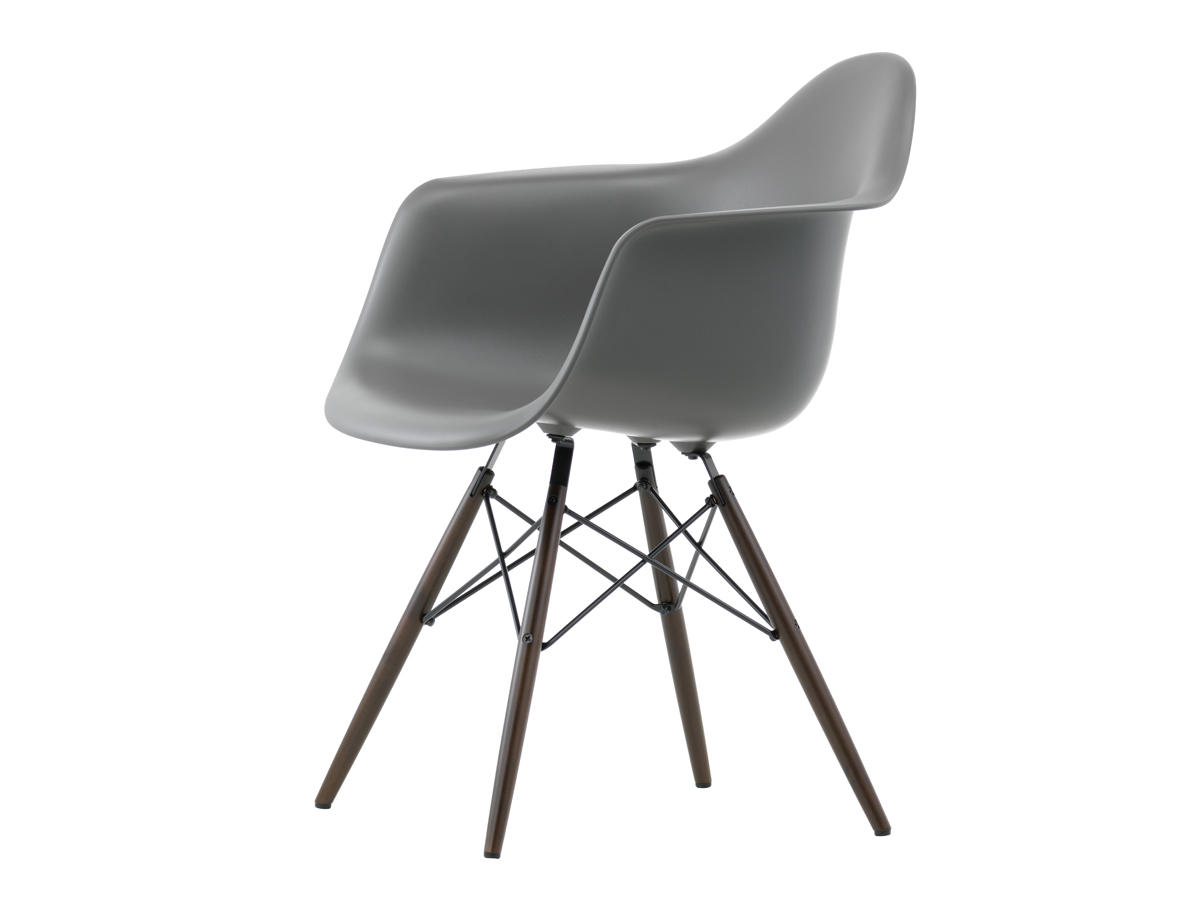 buy the vitra daw eames plastic armchair dark maple base. Black Bedroom Furniture Sets. Home Design Ideas