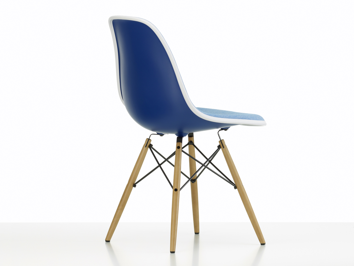 Buy the vitra upholstered dsw eames plastic side chair - Chaise eames belgique ...