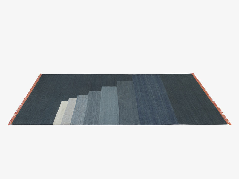 &Tradition Another Rug Blue Thunder