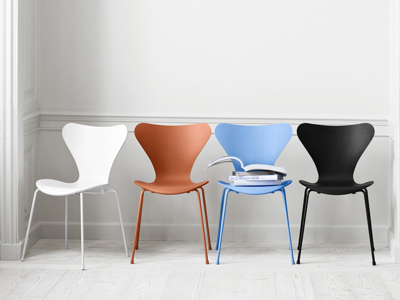 Fritz Hansen Series 7 Chair Monochrome
