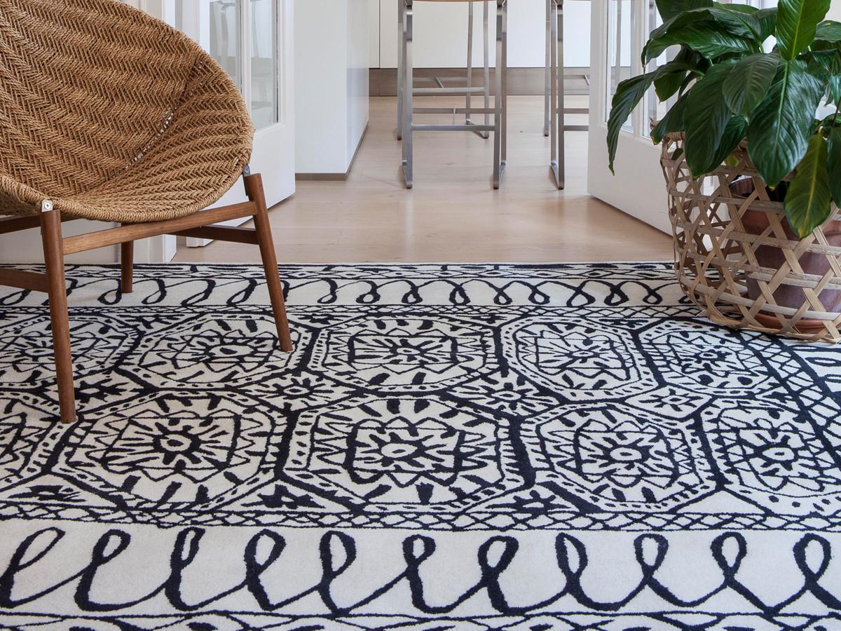 buy the nanimarquina estambul black on white rug at. Black Bedroom Furniture Sets. Home Design Ideas