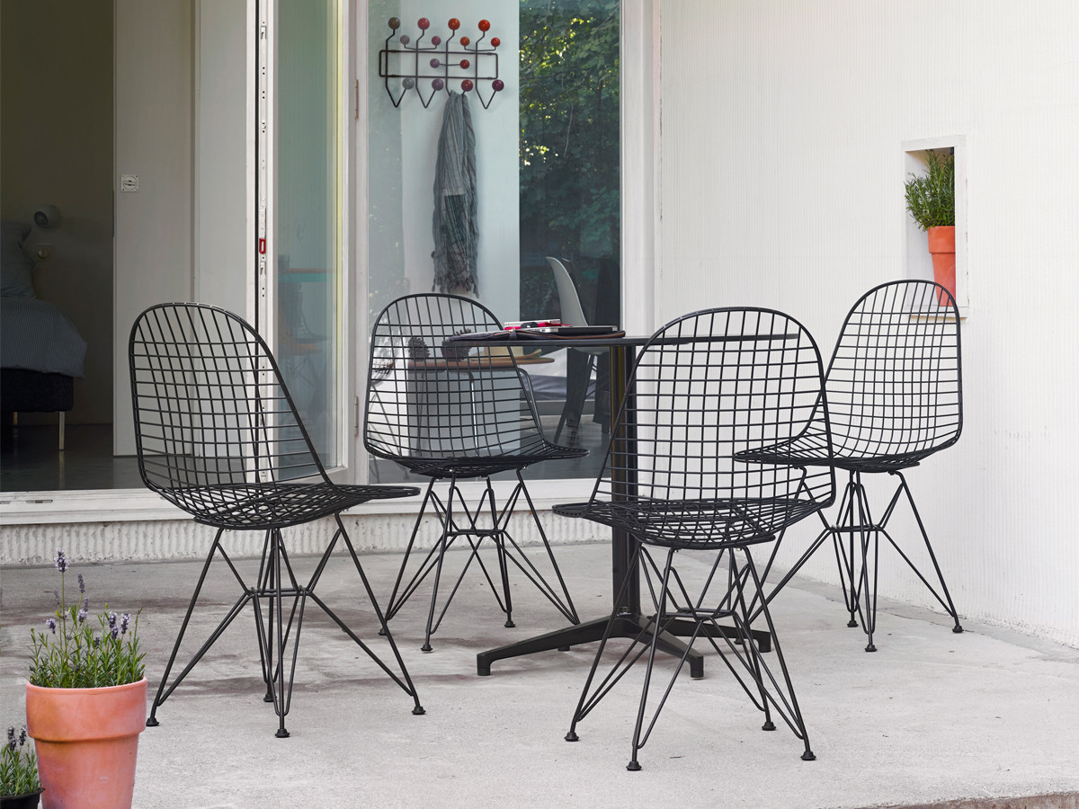 Buy The Vitra Dkr Eames Wire Chair At Nest Co Uk