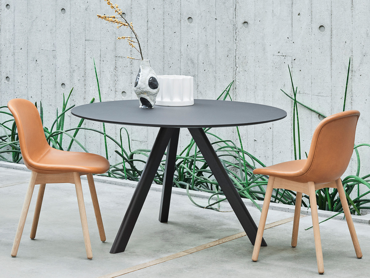 buy the hay copenhague round table cph20 with black base at. Black Bedroom Furniture Sets. Home Design Ideas