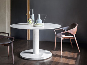 View Cassina 199 10 Dining Table