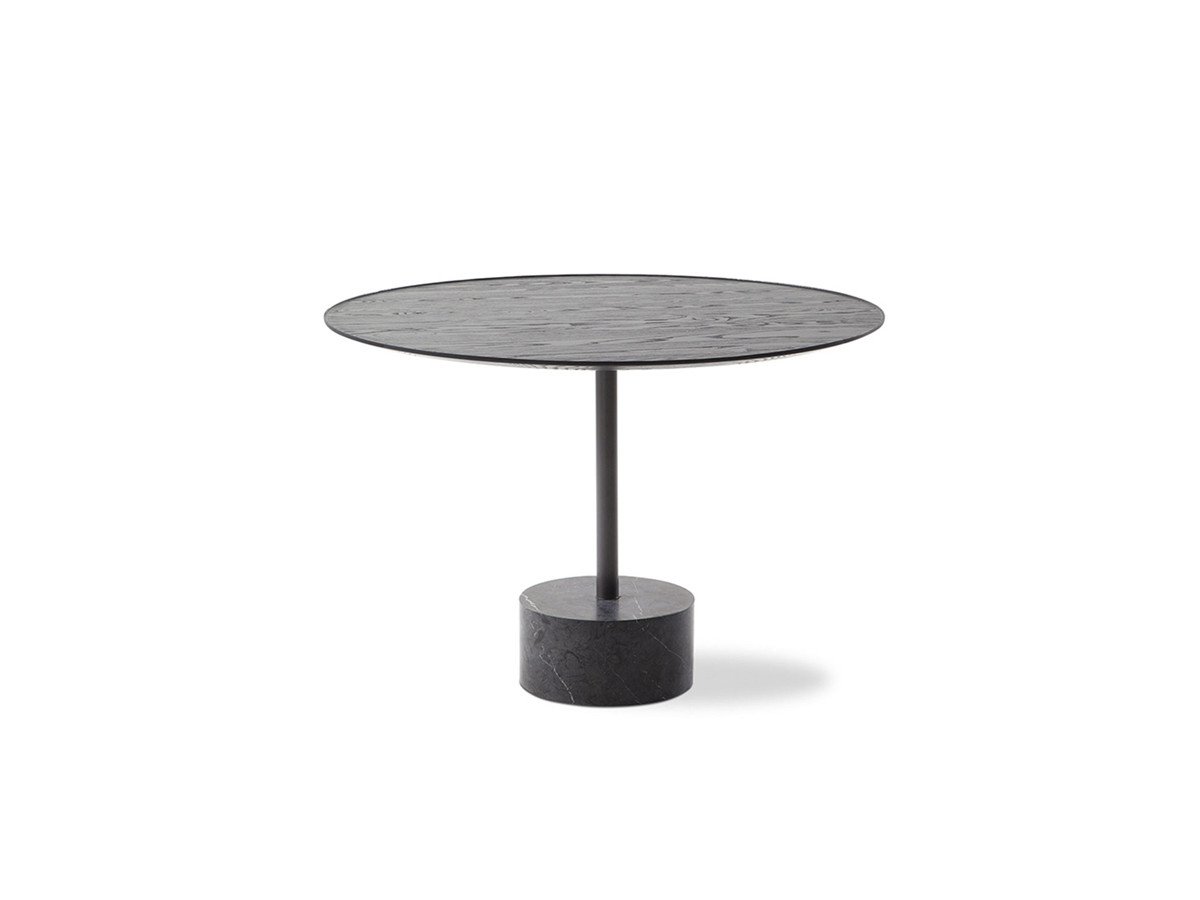 Buy The Cassina 194 9 Dining Table At Nest Co Uk