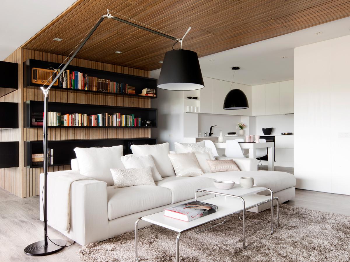 Buy The Artemide Tolomeo Mega Led Floor Lamp At Nest Co Uk