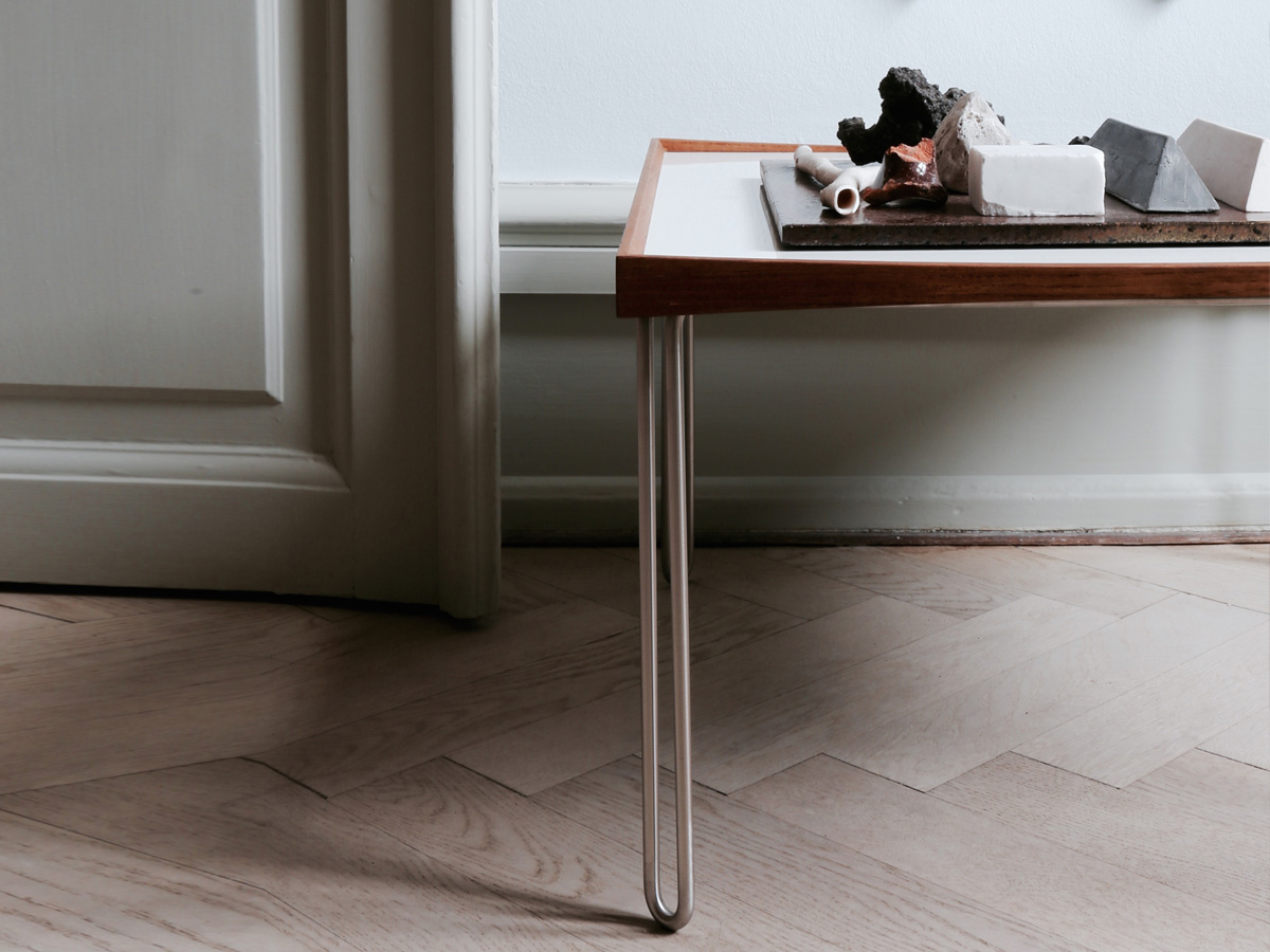 ... Tray Side Table. 123