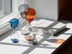 Hay Time Hourglass Medium