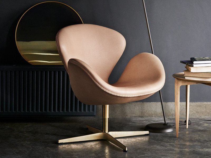 buy the fritz hansen 60th anniversary edition swan chair at nest co uk