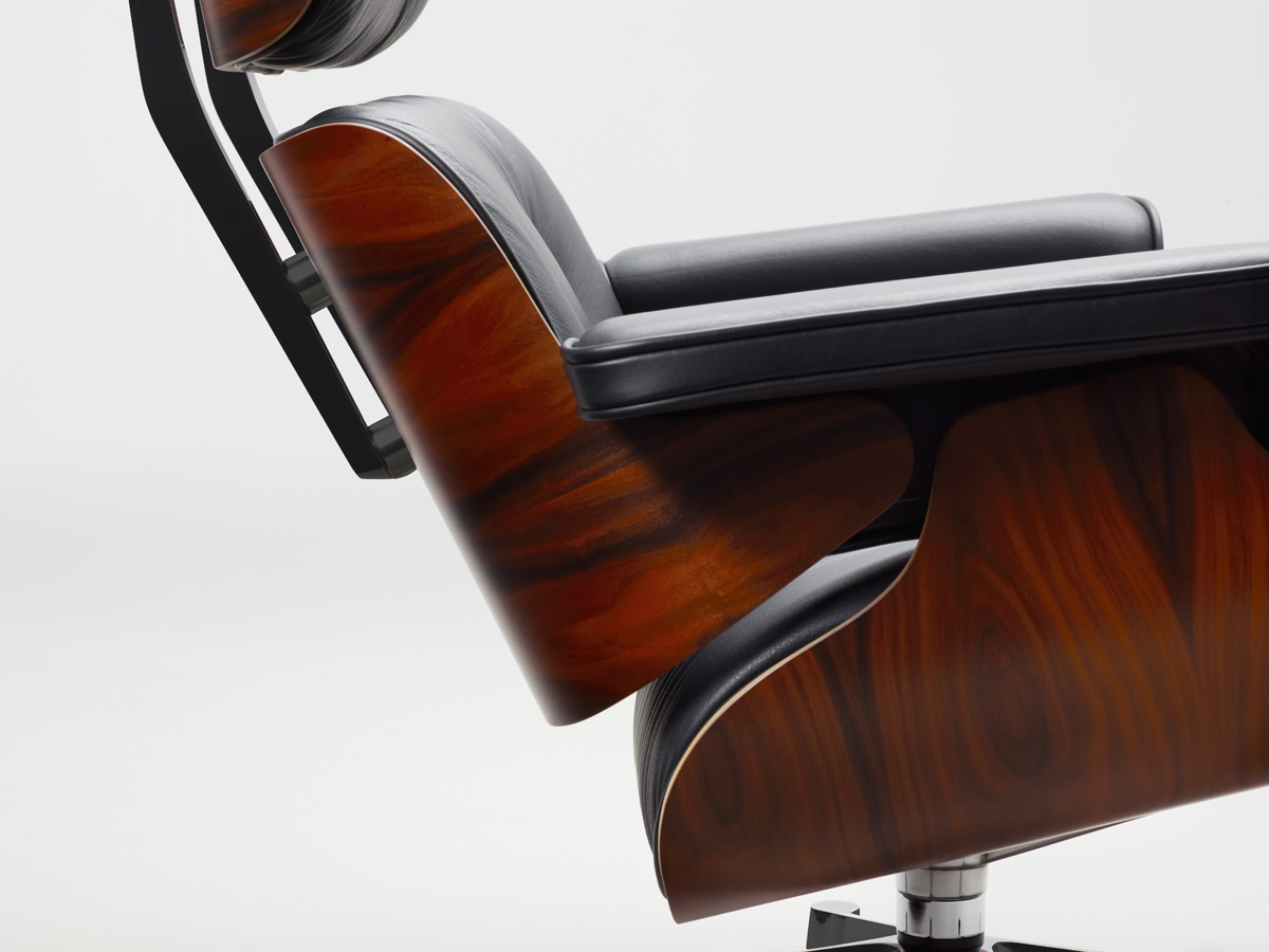 Eames Lounge Chair buy the vitra eames lounge chair ottoman at nest co uk