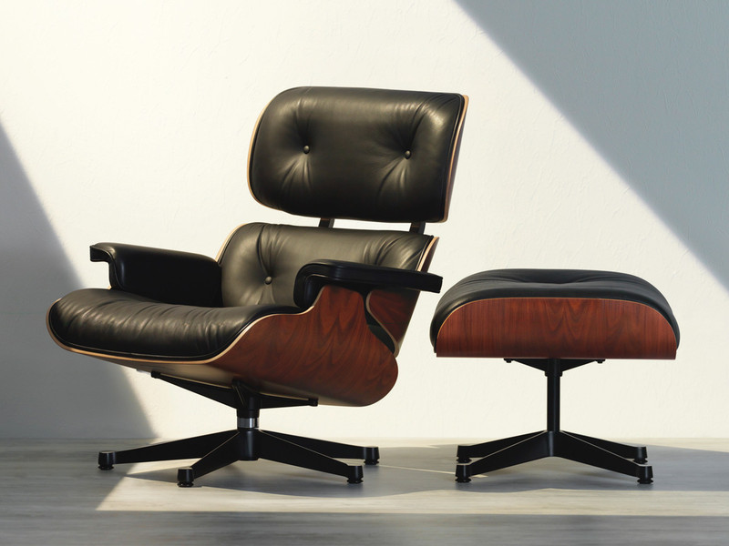 Eames Lounge Stoel : Buy the vitra eames lounge chair ottoman at nest