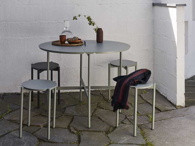 Buy The Skagerak Picnic Outdoor Dining Set At Nest Co Uk