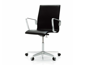View Fritz Hansen Oxford Chair - Low Back on Wheels