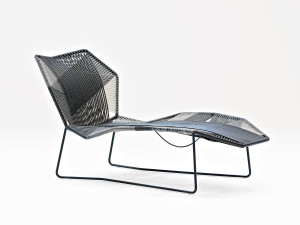 View Moroso Tropicalia Chaise Longue