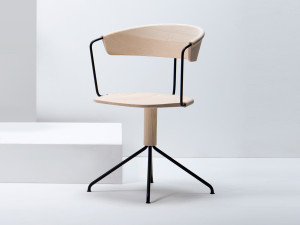 View Mattiazzi Uncino Chair Version A