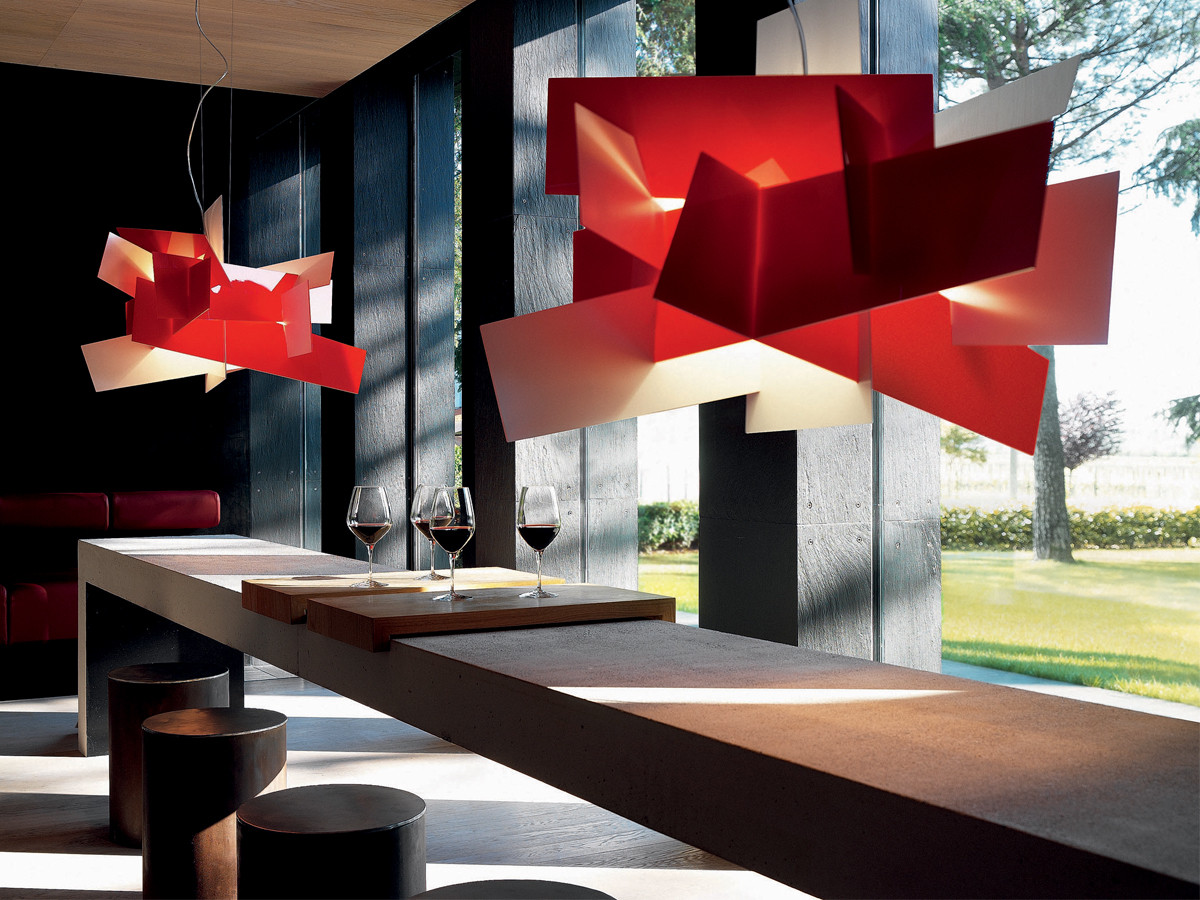 https://dm4c9mjc2jvtf.cloudfront.net/product-media/D8F/1200/900/Foscarini-Big-Bang-Suspension-Light-in-red-Lifestyle.jpg