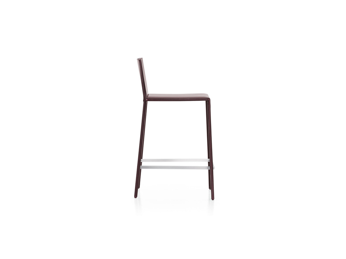 Buy The Arper Norma Bar Stool At Nest Co Uk