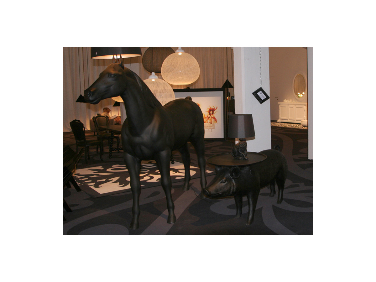 Buy the Moooi Pig Table at Nest.co.uk for Moooi Lamp Horse  70ref