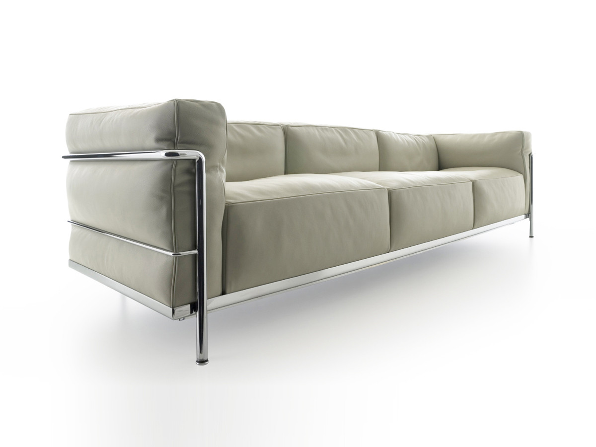 Buy the cassina lc3 three seater sofa at for Le corbusier sofa nachbau
