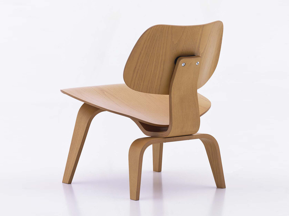 Buy the vitra lcw eames plywood chair at for Chaise fauteuil eames
