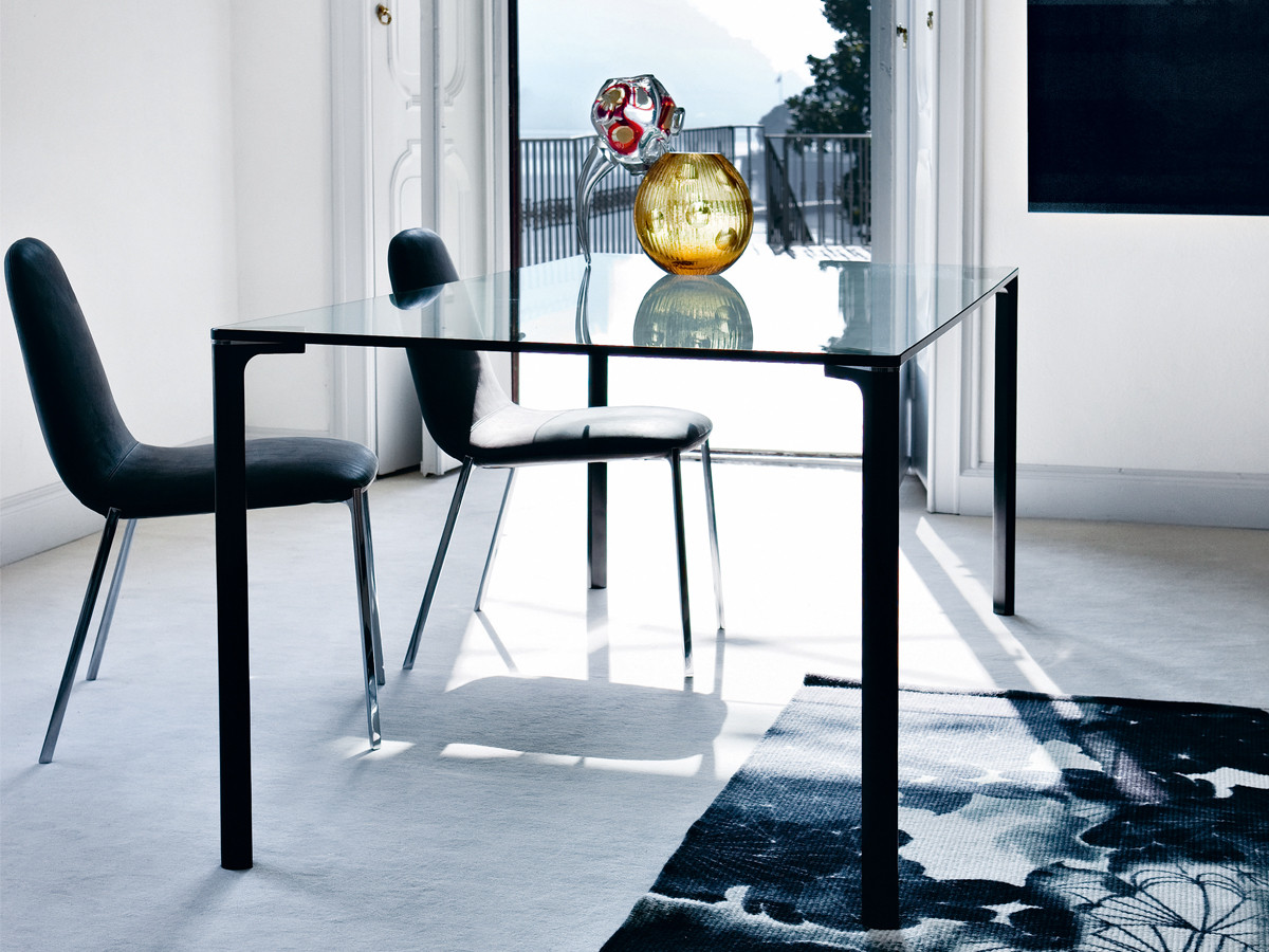Buy the zanotta 2525 spillo dining table at for Table zanotta