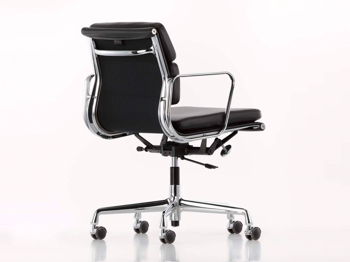Buy the Vitra Eames EA 217 Soft Pad fice Chair at Nest
