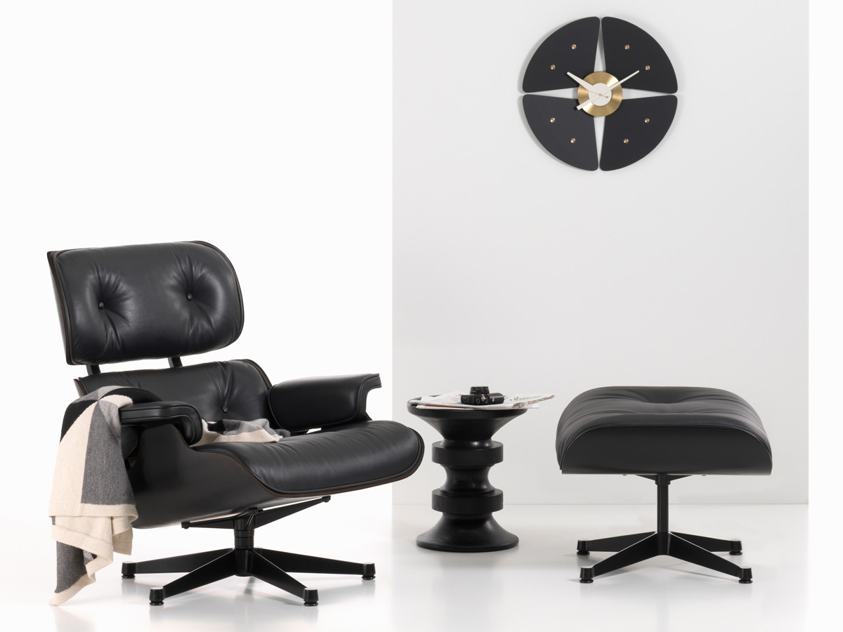 buy the vitra eames lounge chair ottoman all black at nest co uk